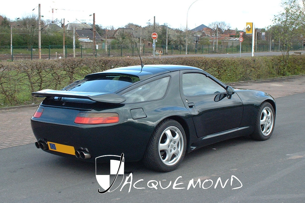 kit carrosserie large pour Porsche 928 par Jacquemond