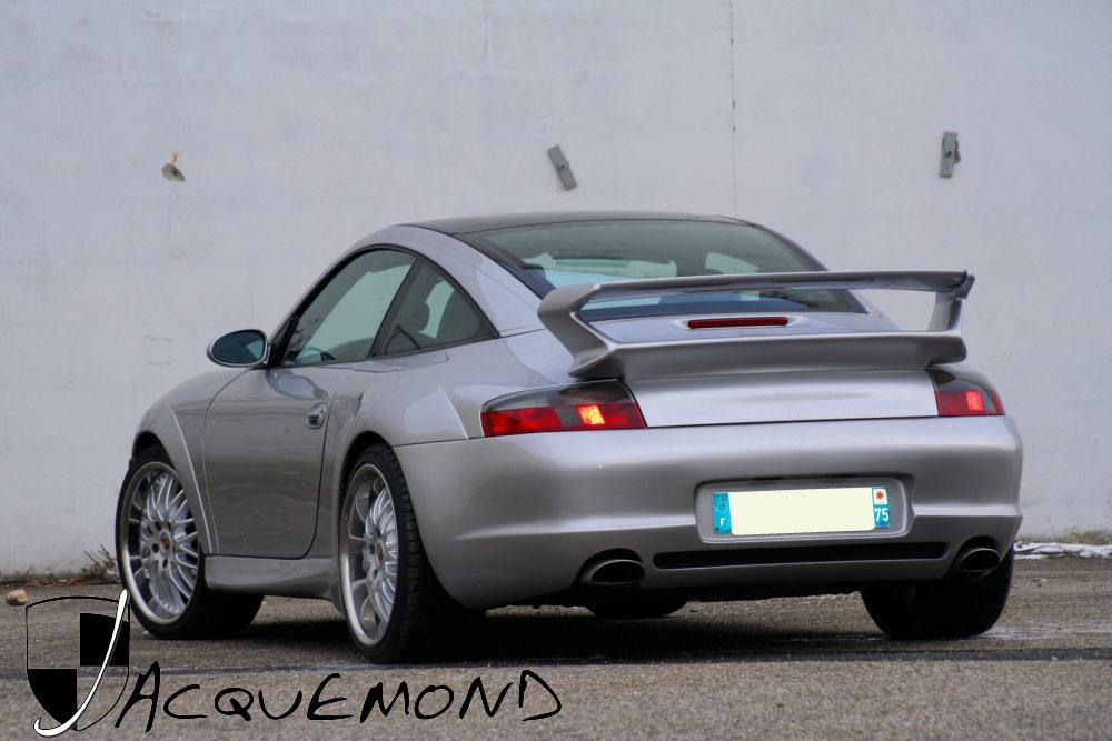 Kit carrosserie large RSR et aileron pour Porsche 996 par Jacquemond