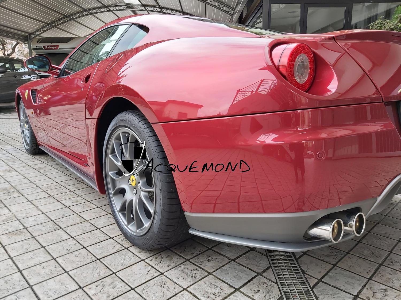 Bas de caisse style 599 GTO pour Ferrari 599 par Jacquemond.